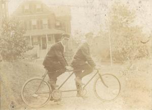 0342. Tandem cyclists